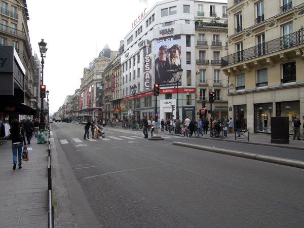 Paris, shopping street Rue de Rivoli